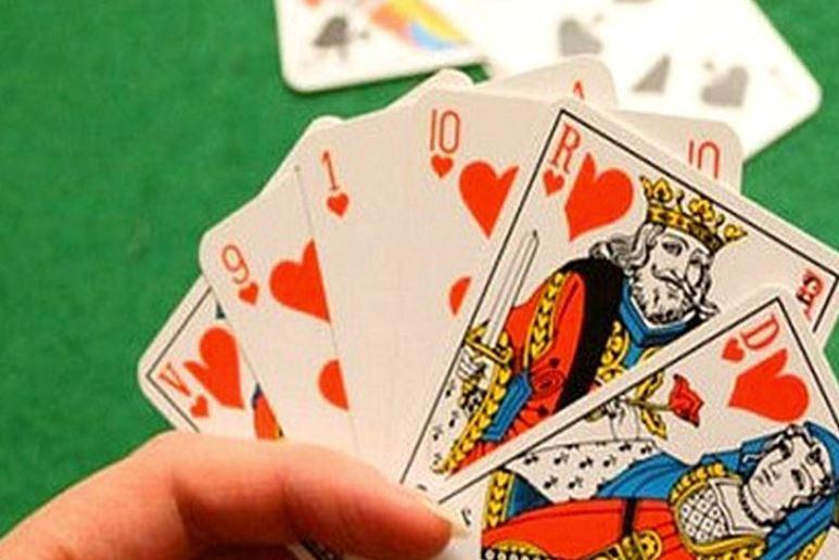 jouer cartes